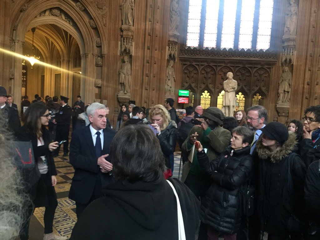 Came out of #PMQs to meet disabled protesters who are rightfully angry with way they have been treated by this Gov https://t.co/nCUXo83YDk