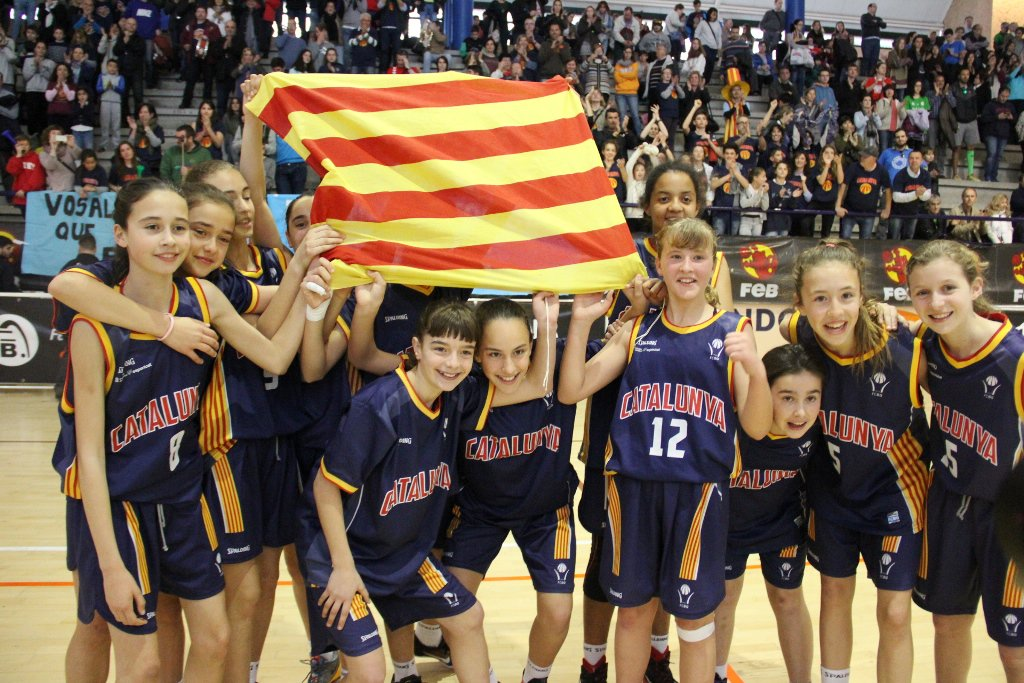 #CatalunyaBQ campiona, en noies, i sotscampiona, en nois, del #Mini2016 de San Fernando!  https://t.co/YYzeVRqfDr https://t.co/juM6J35mga