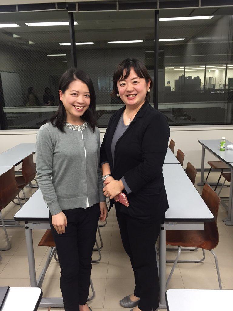 本日の鈴木明子さんと長谷川仁美さんの対談、とっても楽しい盛りだくさんの一時間半でした。対談後におふたりでパシャリ。ご来場いただいたみなさま、ありがとうございました! https://t.co/a3IJpmwrSg