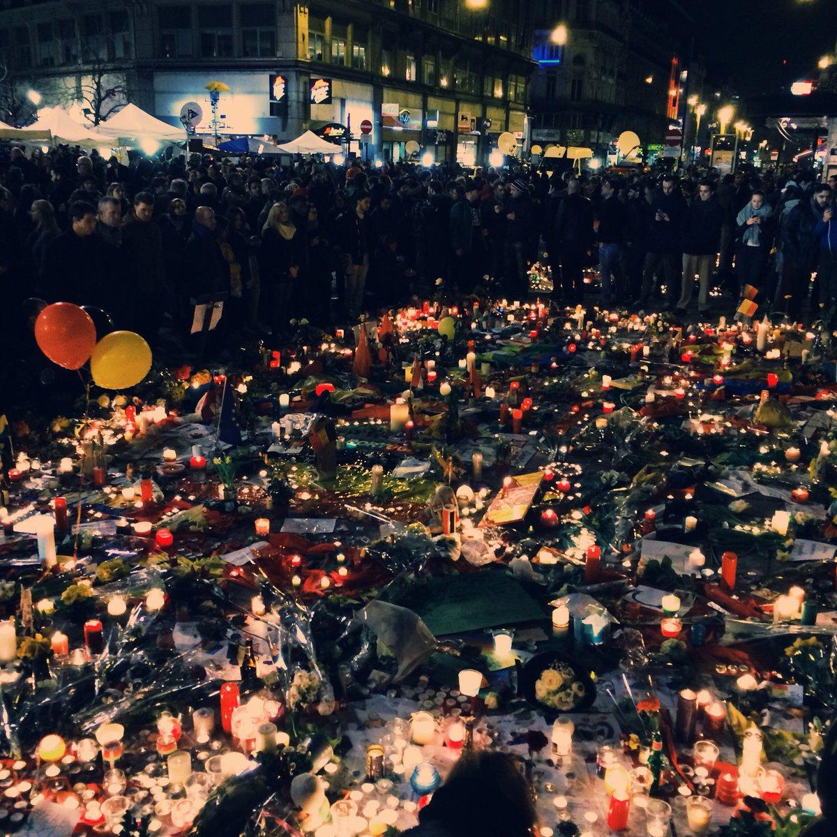 Het begon met één krijtboodschap op de grond. #BrusselsAlive https://t.co/lfleiuwzjF