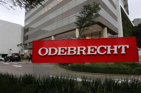 240 políticos e 22 partidos receberam dinheiro da Odebrecht. Chegou a hora da faxina geral...https://t.co/FwF9XCSxJL https://t.co/LX2WS2iRwa
