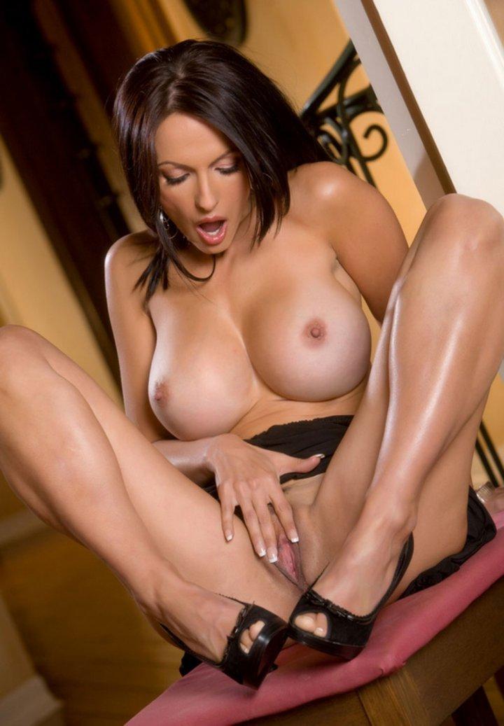 телки с большими грудями порно фото