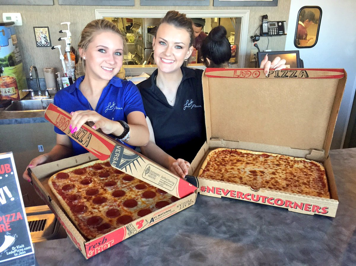 FRIDAY GIVEAWAY‼️ Retweet for a chance to win a $25 #LedoPizza Giftcard! 1 winner picked at 10pm 3/25/16 https://t.co/7qfnWNUV6A