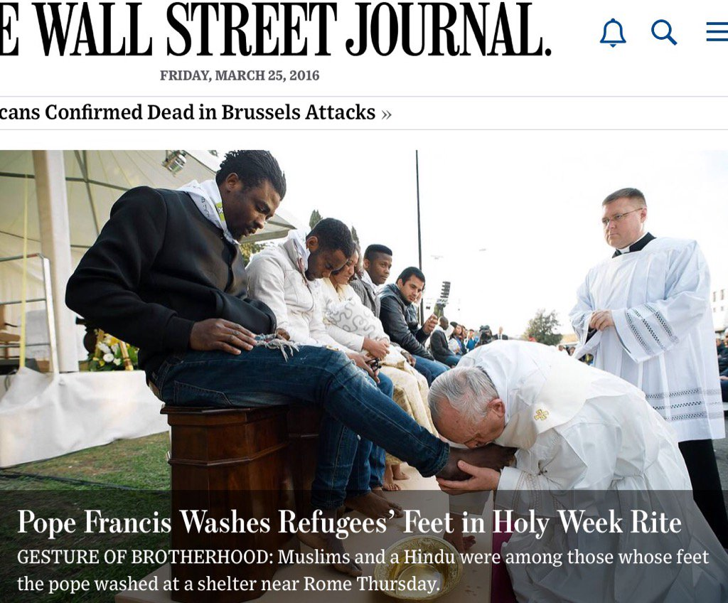 Pope Francis washing the feet of non-Christian migrants is powerful reminder for #GoodFriday. #bekind https://t.co/jkYNeQZ2Ky