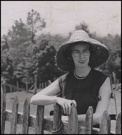 """""""I write to discover what I know."""" ―Flannery O'Connor, born 3/25/25 https://t.co/PUx3eZvUCb"""