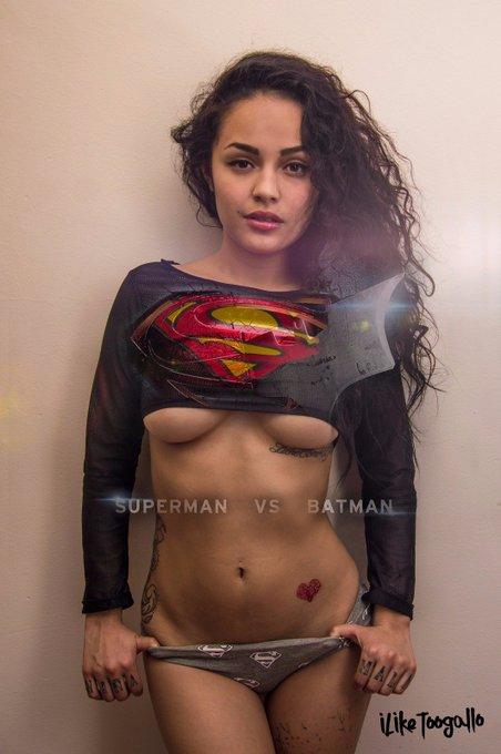Tarde pero seguro 😂 #BatmanvSuperman  #BatmanvsSuperman #batman #superman #BienvenidoAbril  #tequierogreñuda