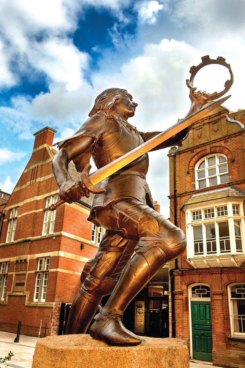This weekend! Events marking one-year-on from the #richardIII reinterment  #RichardReburied https://t.co/Oydw8wIiSv https://t.co/4lTFeoLxwv