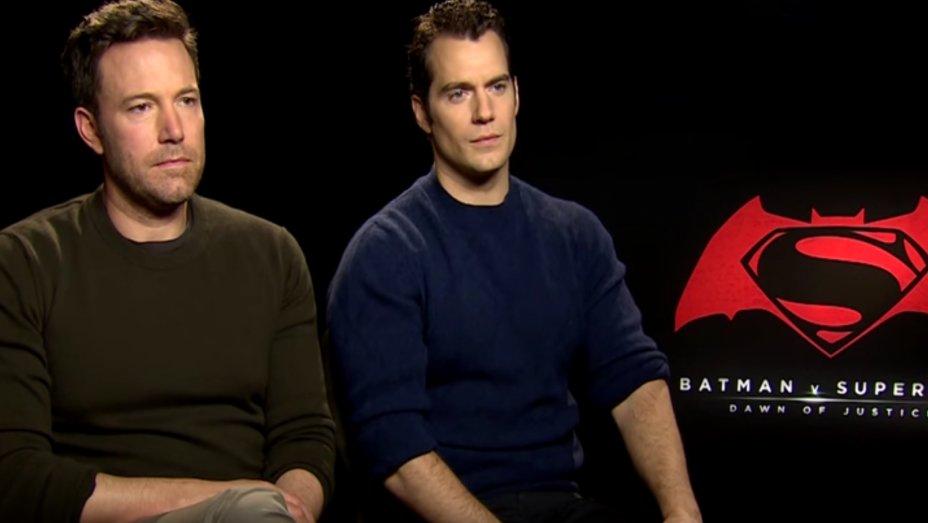 Watch the 'Sounds of Silence' greet Ben Affleck after bad BatmanvSuperman reviews