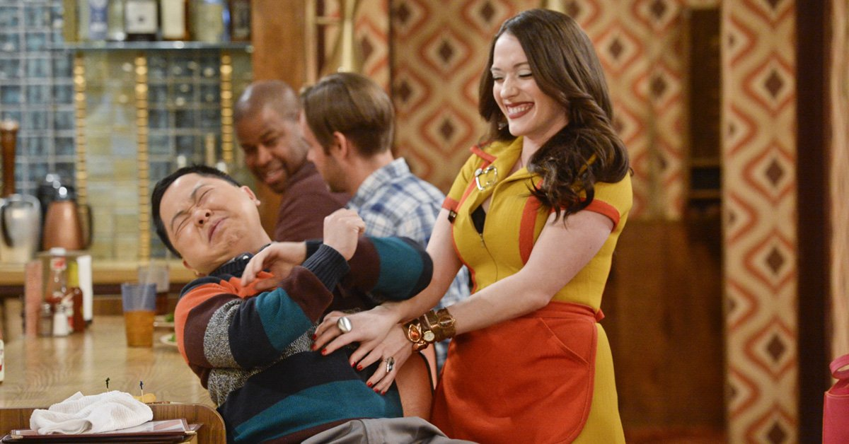Is anything better than Friday? Answer is yes: #2BrokeGirls is renewed for another season! https://t.co/jPbk0Dm2w0 https://t.co/MWFKd5O2tw