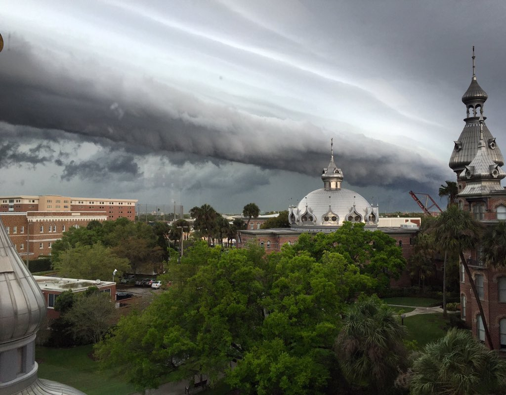 Crazy cloud action right now! #weather #naturalbeauty #UTampa https://t.co/cT3hR4YxlN