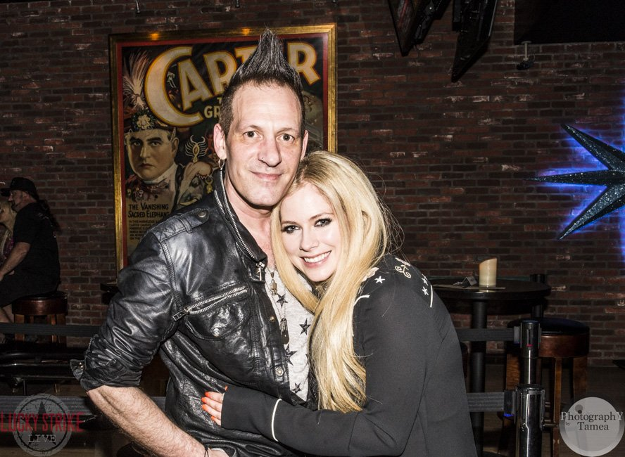 Thx @AvrilLavigne 4 coming down 2 Soundcheck Live @LuckyStrikeLive this Wednesday! Hope 2 C U there again soon! https://t.co/SfpRbMRPZ8