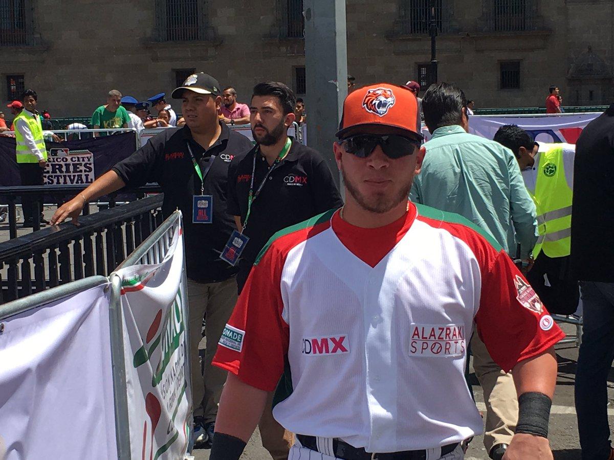 #JonronesLaRevancha #HomeRunDerby #MexicoEsBeisbol Esteban Quiroz, Carlos Valencia, Ivan Terrazas y Jorge Cantú https://t.co/efHrqMez2u