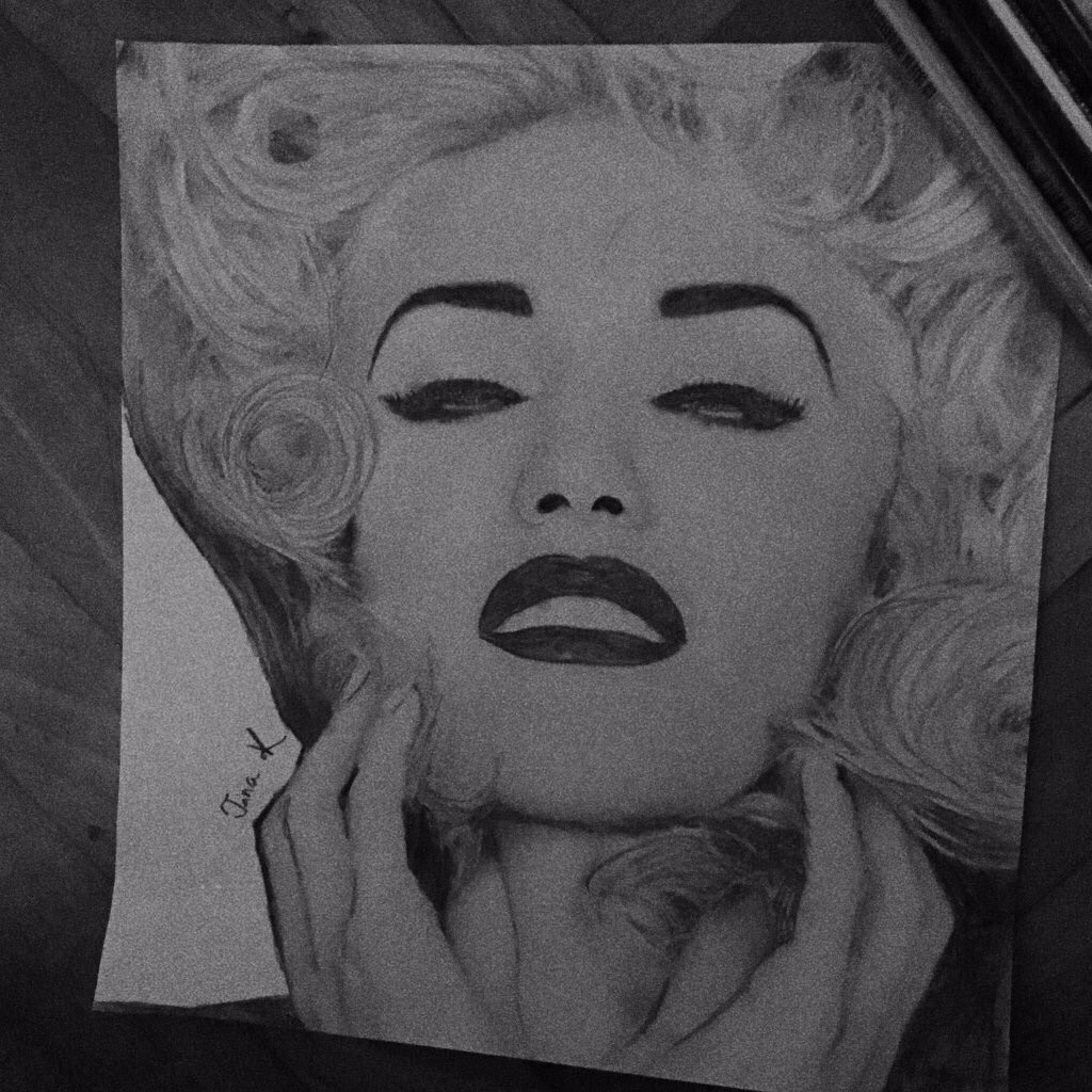 @gwenstefani do you like my drawing of you? ✏️❤️ (sorry I'm not a pro)