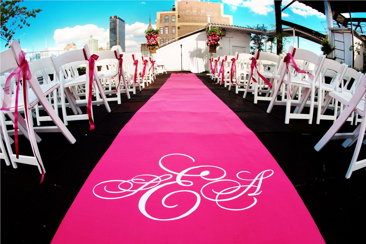 Don't be afraid of color--how about a Diva Pink aisle runner to brighten up your aisle? #wedding #bride #aislerunner https://t.co/MVFxkpM0TC