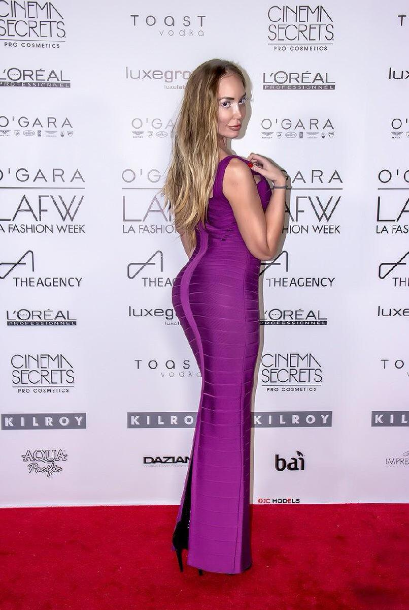 #International #covermodel #jennabentley #musician #performer #BestoftheBest #sexy #hot