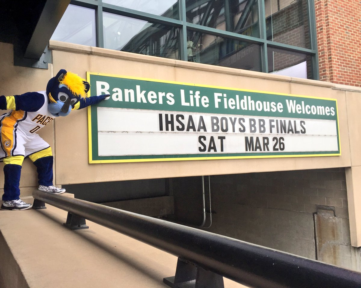 Welcome to @TheFieldhouse @IHSAA1 Boys Basketball State Finals! #54Games43Days https://t.co/KiHy28yhq2