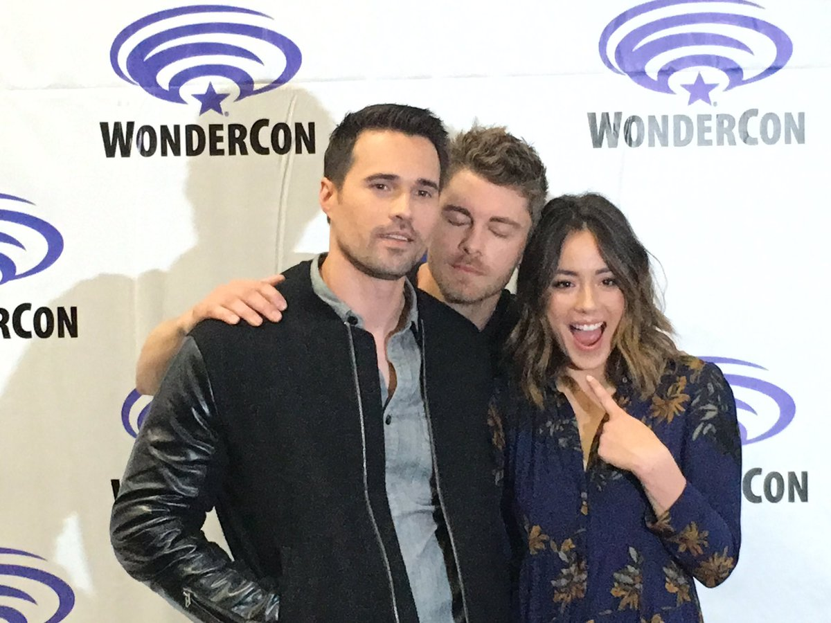 #AgentsofSHIELD are in the house and it looks like @LukeMitchell__ is enjoying @IMBrettDalton scent @Chloebennet4 https://t.co/TRrIdgl1dT