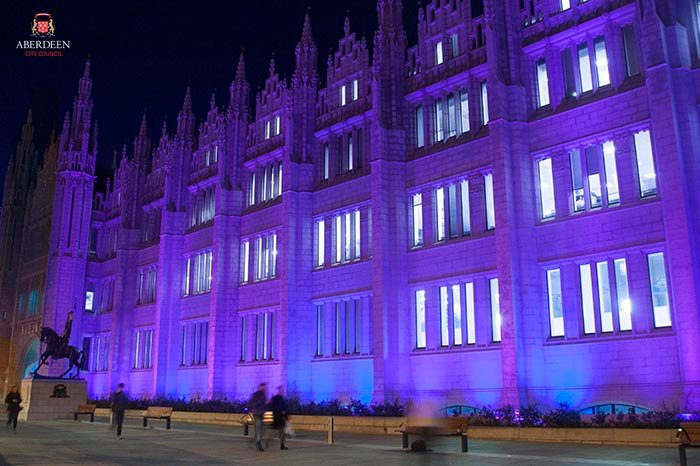 Marischal College is one of many Scottish landmarks turning purple tonight to support @epilepsy_scot #PURPLEDAY2016 https://t.co/P2E0rPBAyD
