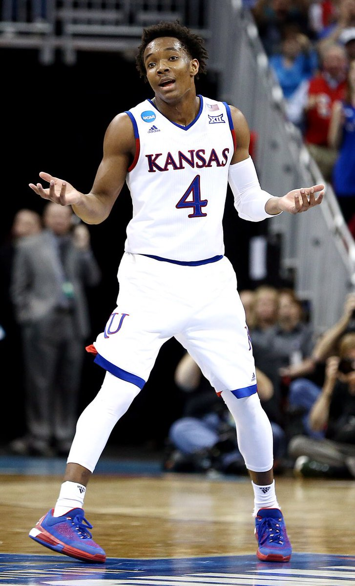Devonte - what did you do to get those fouls called on you? https://t.co/aJ14wb53BC