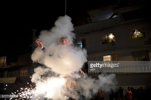 'The burning of Judas' #Easter ritual in #Mexico lit up Donald Trump effigies this year https://t.co/hMJKCbuoFJ https://t.co/ljRQgNo8w5