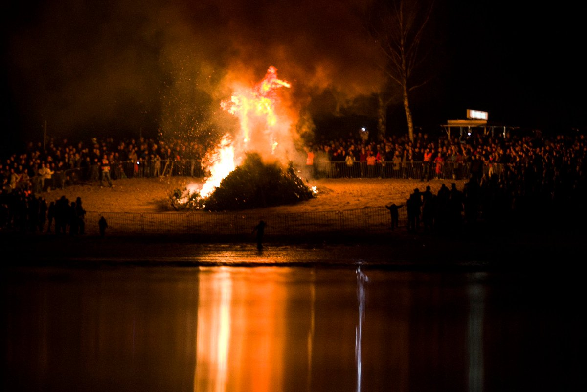 #Osterfeuer - Who is talking about #Osterfeuer on social