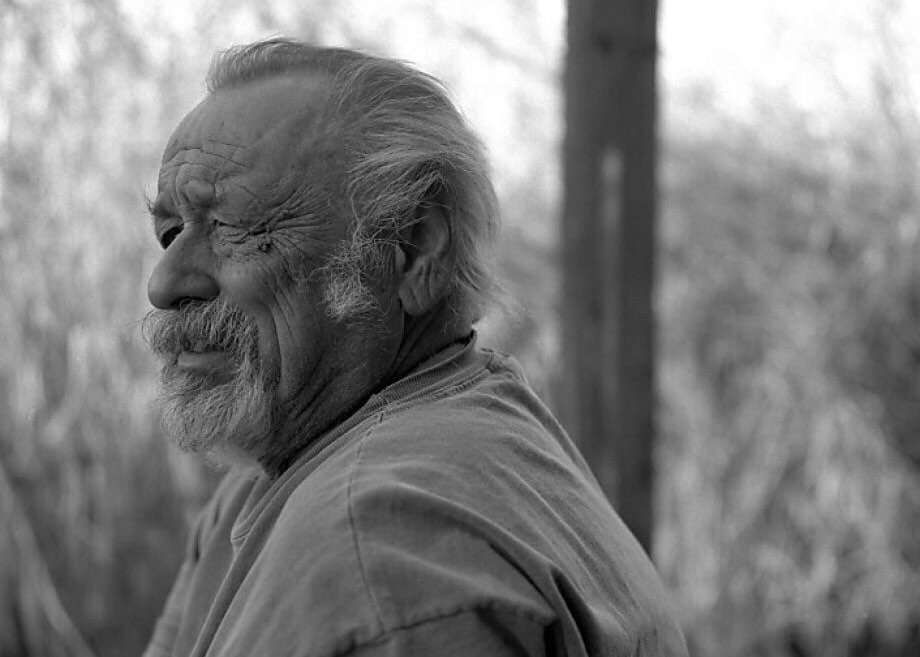 """""""Attentiveness is your main tool in life."""" — Jim Harrison (1937-2016) @parisreview https://t.co/4Wy5e0hSp1 https://t.co/yDhCmWRcT1"""