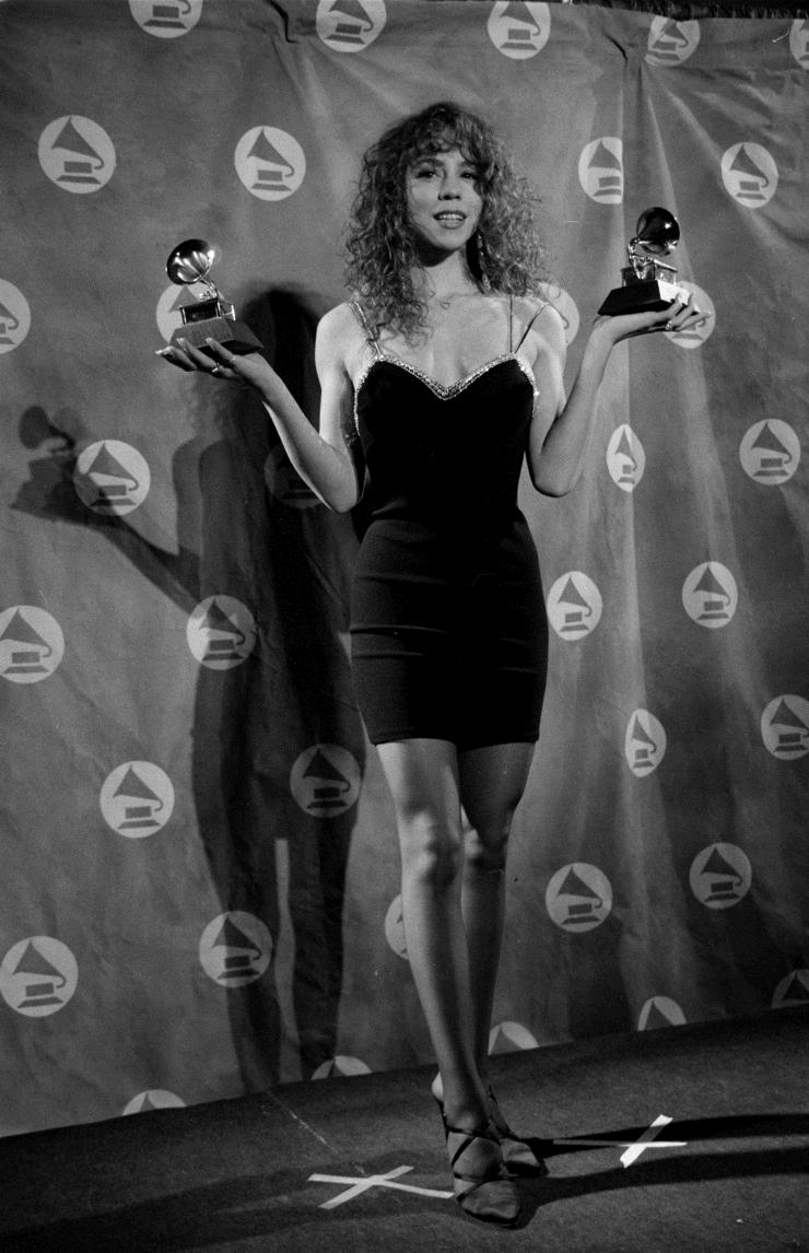 Mariahcarey Backstage At The 33rd Grammys 1991 With Her Awards For Best New Artist Pop Vocal Performance