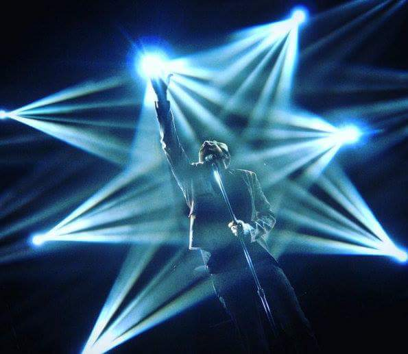 Love this shot! @adamlambert #TheLight https://t.co/XUYukIOg2z