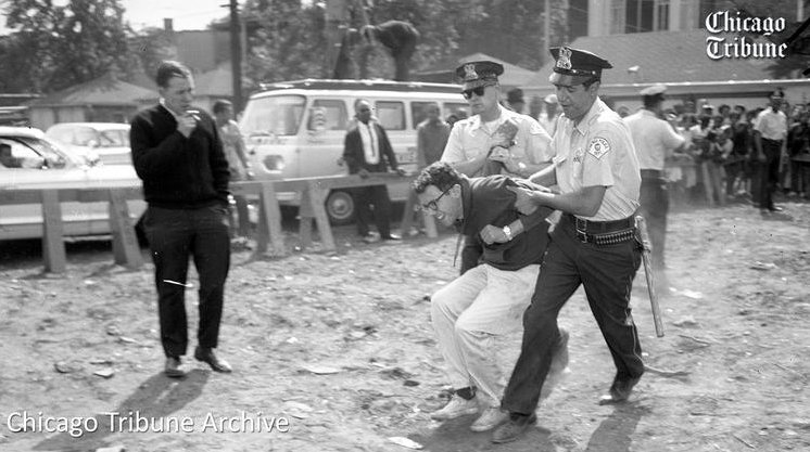 It was this image of @BernieSanders fighting for black rights in 1963 that spoke to me. #BernieMadeMeWhite https://t.co/Svr5ZGmbLk
