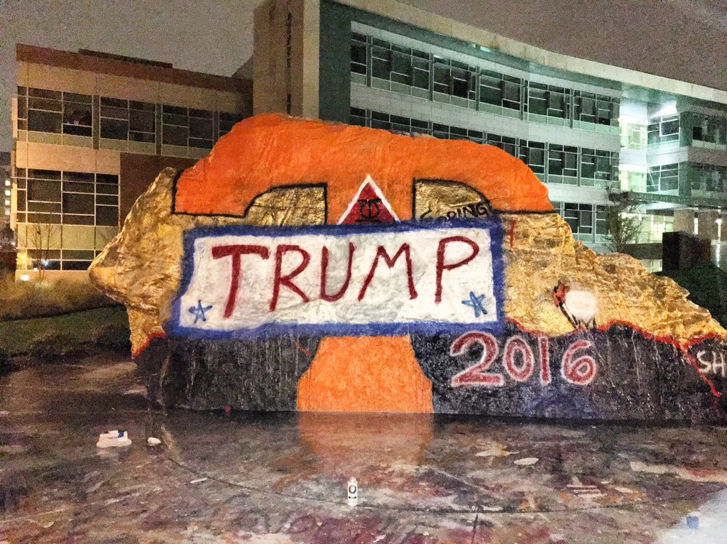 They painted the rock at UT. Don't tell the Emory kids. They'll die of heart attacks. (via @OldRowOfficial) https://t.co/eIaqyoWe7j