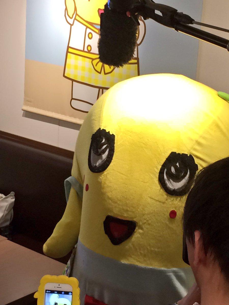 ふなっしーがふなっしーカフェにサプライズで来てくれましたヾ(。゜▽゜)ノ  #ふなっしーカフェ https://t.co/LZi88wasYF