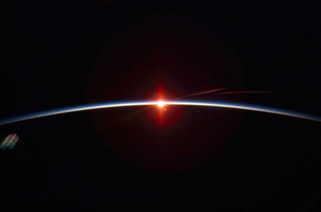 The thin pale blue line is earths #atmosphere. We depend on it to live. Please don't let #BIGOIL destroy it  #p2 https://t.co/vQmP9wbMjZ