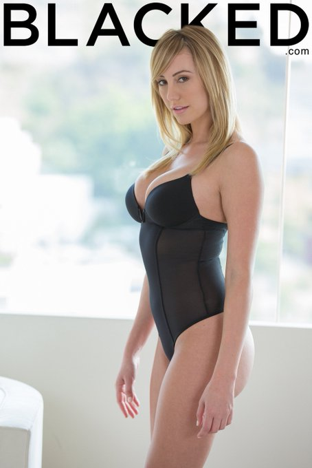 Good morning! ? Let's give @ImBrettRossi a warm welcome in her newest trailer out now, https://t.co/uEcGeZJsHR