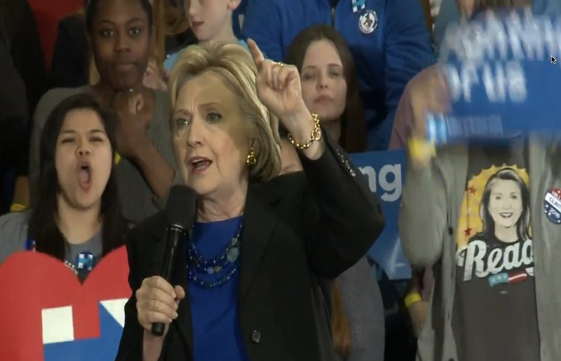 "In Milwaukee, Hillary says of union members: ""I've always had your back, I will always have your back."" https://t.co/3PU6Wyp17s"