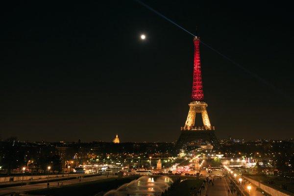 La #TourEiffel aux couleurs du #Pakistan? C'est non! https://t.co/oO0qzwLzIG #France #drapeau #Bruxelles #attentats