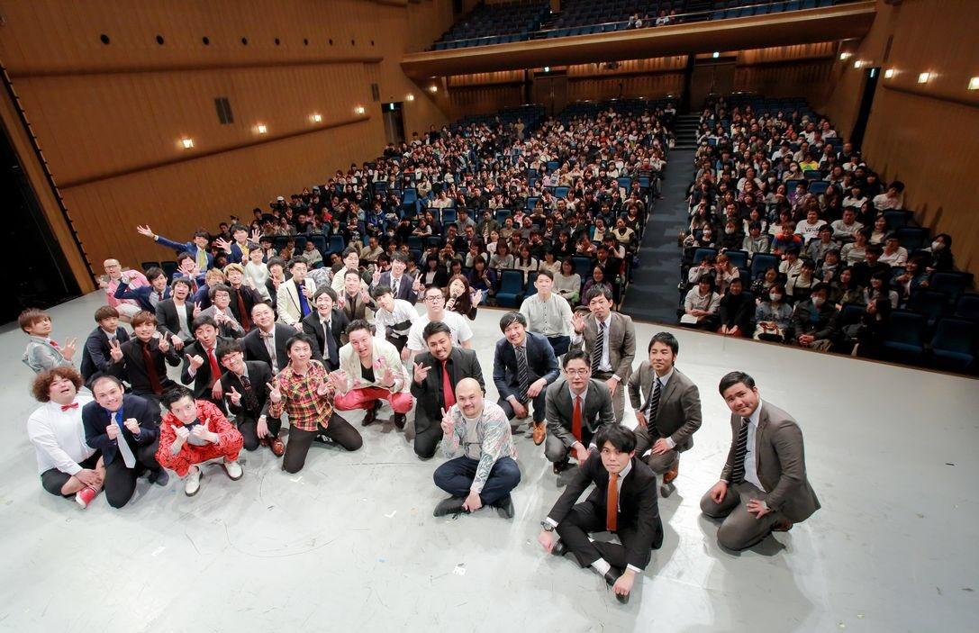 全国若手いっぱいライブありがとうございました!出演者様、お客様、裏方スタッフ様のおかげで大盛り上がりで終演しました!最後にはハイタッチ会も行って大満足で終わりました!次は6月!東京若手いっぱいライブです! https://t.co/VPzKU7IDwF