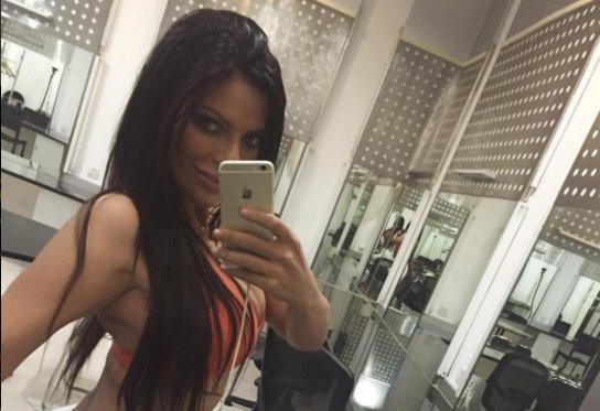 RT @LAURAGII: Miss Bumbum eleva la temperatura de Instagram con esta SEXY foto en tanga ???? >>(+FOTOS) https://t.co/No16N9RxAH https://t.co/O…