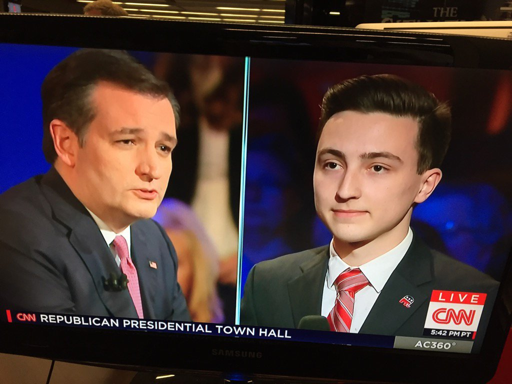 Cruz asked question by younger version of himself... https://t.co/htAwhGz1zR