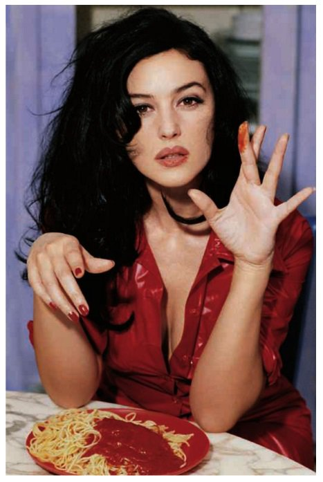 """Being comfortable is not about what you look like, but how you feel."" - @MonicaBellucciC  https://t.co/IjtUrE9uJN https://t.co/Cu4gNugloP"