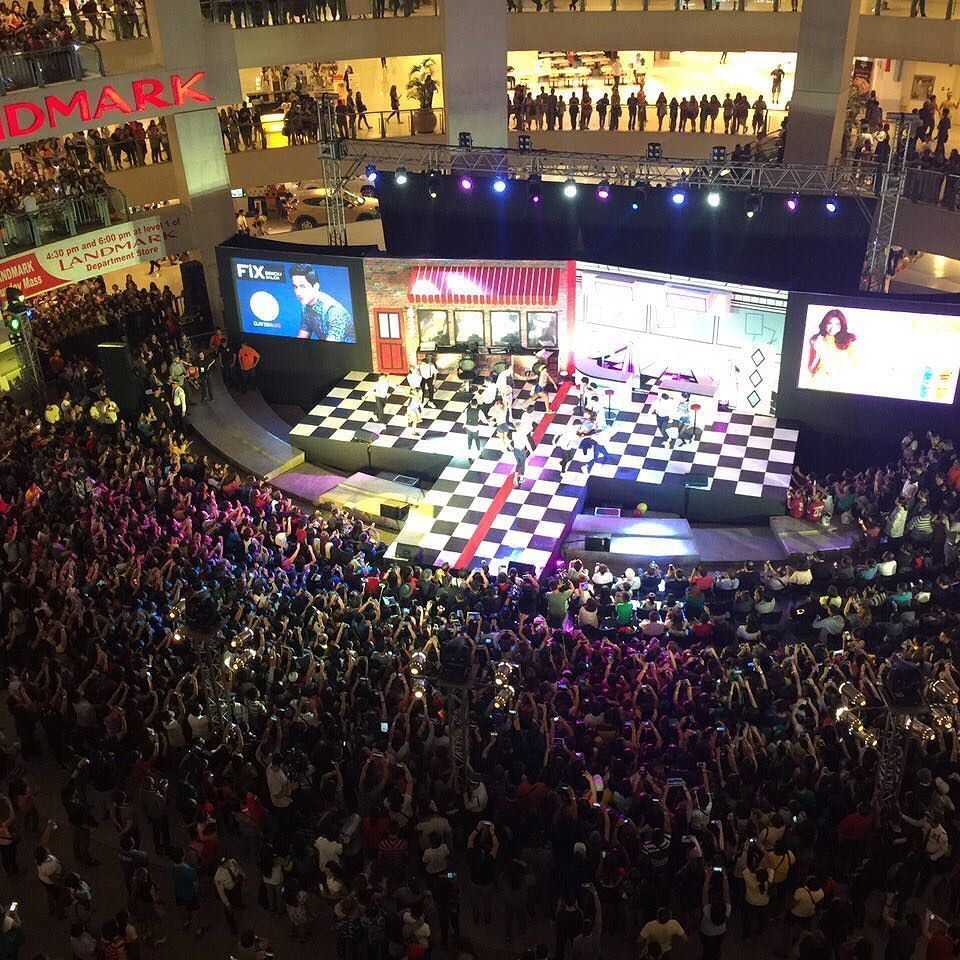 First ever mall show of ALDUB  at TriNoma. Thank you @benchtm
