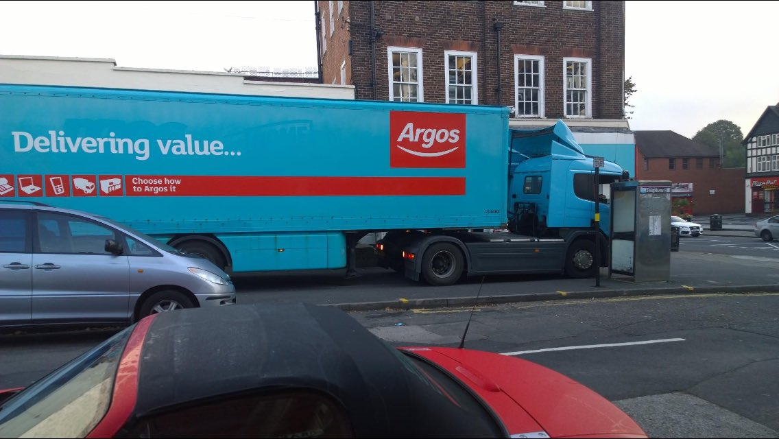 Wow. This is one for @YPLAC  and shows what disregard @ArgosHelpers have for pedestrians https://t.co/WzNudzTxx4