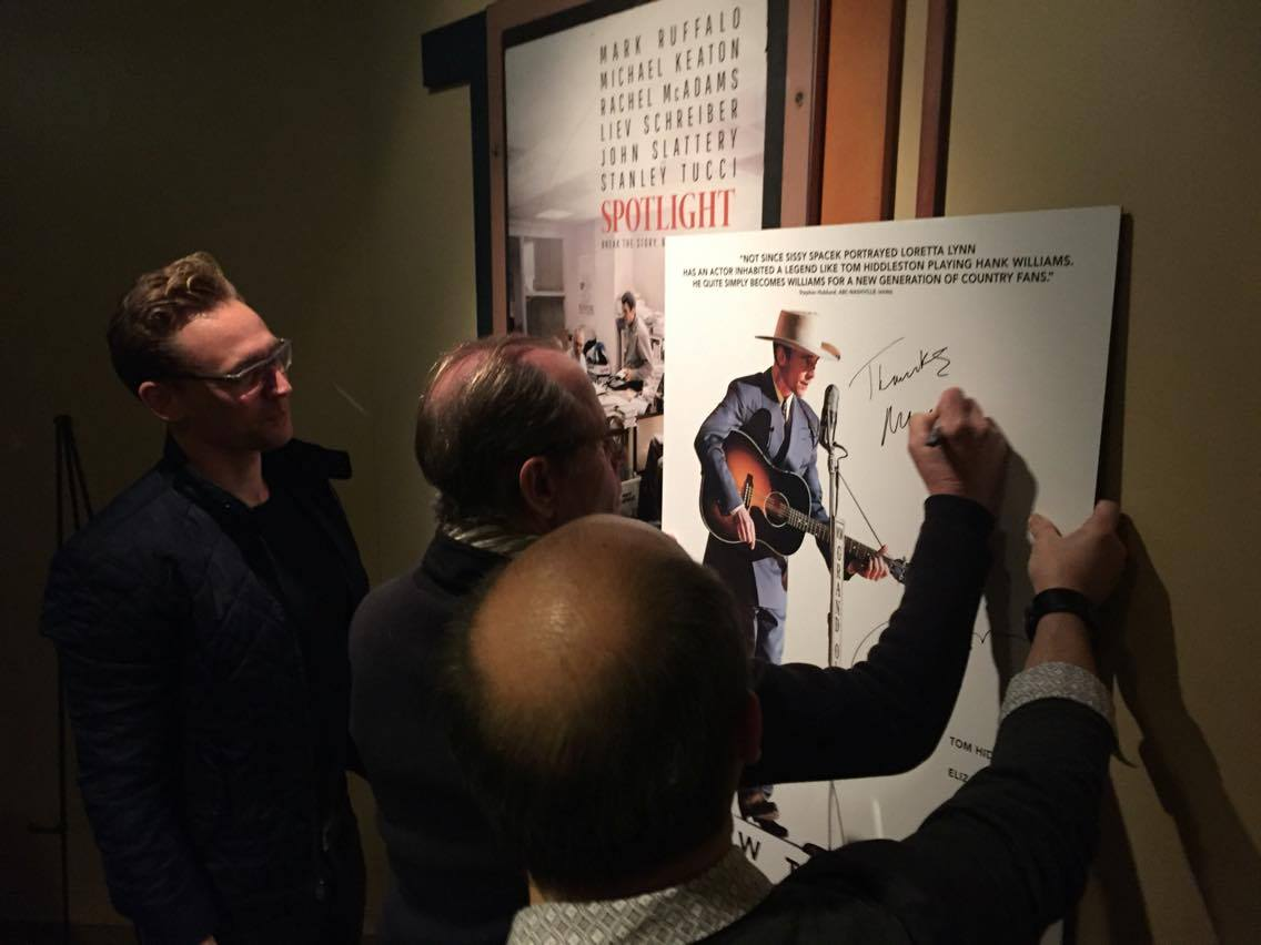 Tickets for #ISAWTHELIGHT starring @twhiddleston are on sale now! https://t.co/7ZezULuLmg https://t.co/OrhGPhibnb