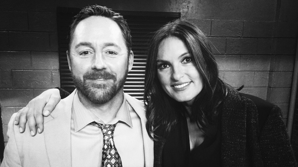I got directed by this lovely human being on tonight's #svu @Mariska #shelteredoutcasts https://t.co/PnJa4XI9yl