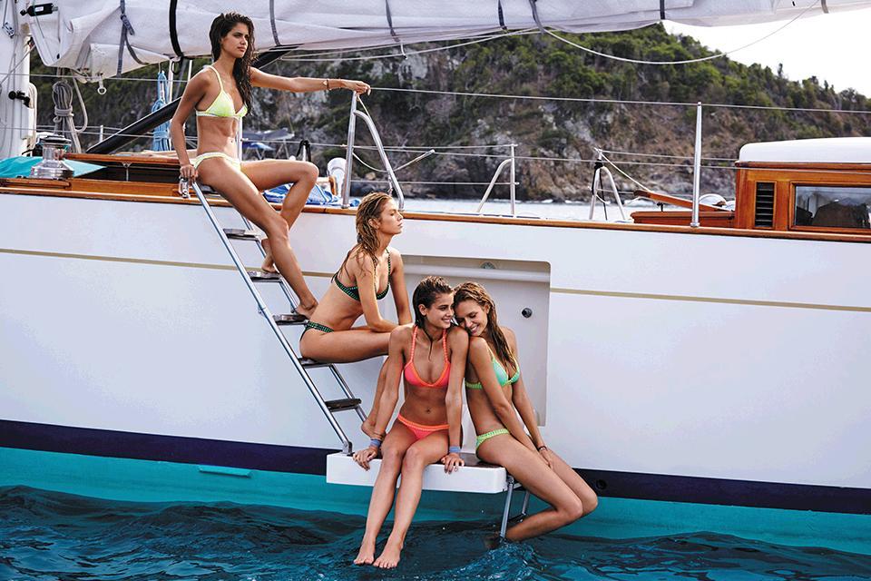 Yacht life. #OwnTheBeach https://t.co/dWPU0Xdsbw https://t.co/SNa0K1tSBd