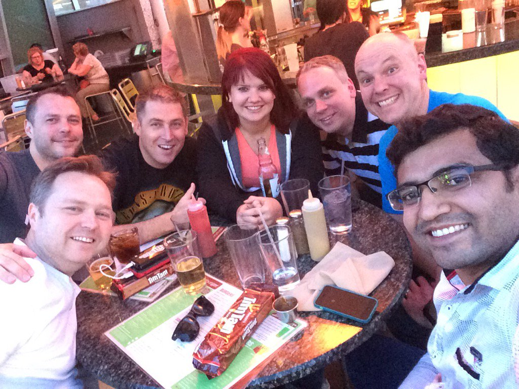 FutureDeryck: Hanging out at stripburger! The conference is over :( #MagentoImagine https://t.co/ij4tdjXh55