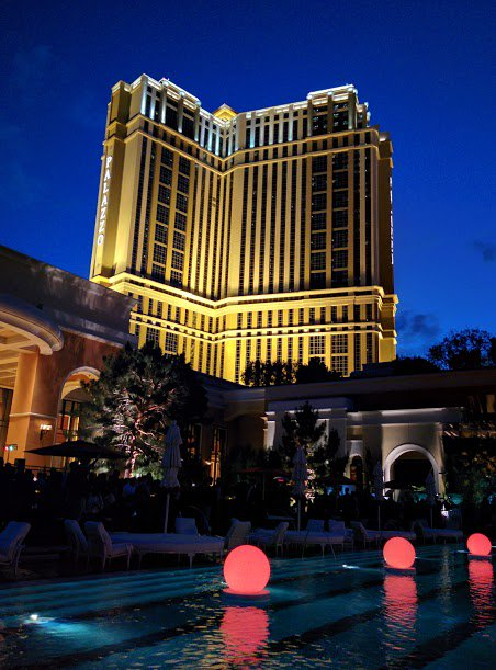 nexcess: Obligatory beautiful Las Vegas hotel shot :) #MagentoImagine https://t.co/7kifNoDKpH