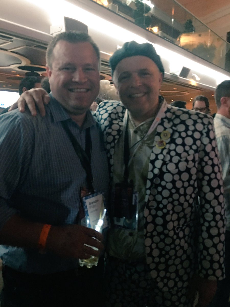 briggsbrandon: Looks like @jamesdhorne from @balanceinternet comes dressed in his @dotmailer dots. #PlatinumParty #MagentoImagine https://t.co/cRhEyt6NkH