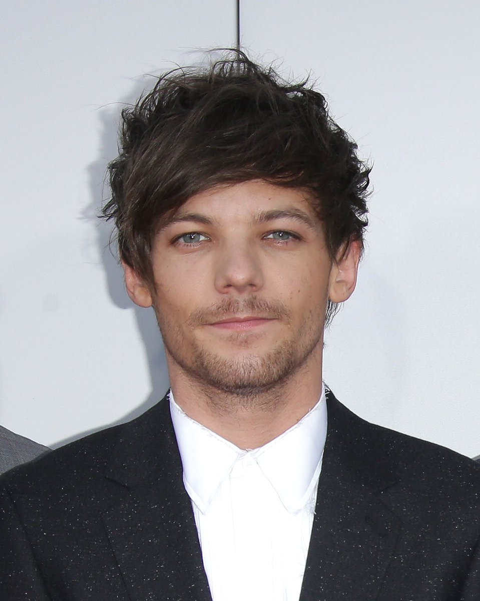 One Direction's Louis Tomlinson has joined the England line-up to support Unicef in this year's #SoccerAid https://t.co/iHGbYPQgMK