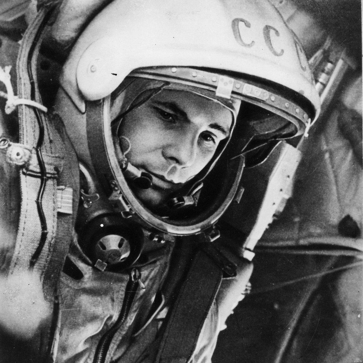 """""""Ich sehe die Erde! Sie ist so wunderschön!"""" Heute vor 55 Jahren startete mit Juri Gagarin der erste Mensch ins All. https://t.co/tHNgtYOPW1"""