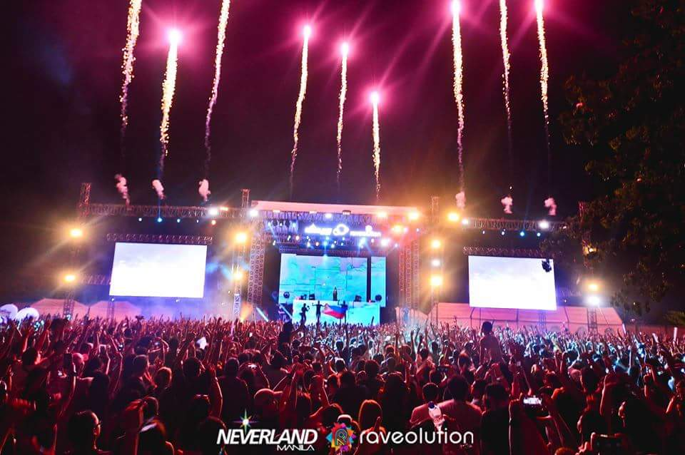 Cheers to the nights we felt alive! ���� https://t.co/BVI6KnOb2S